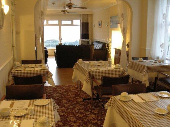 Porth Cove : breakfast room