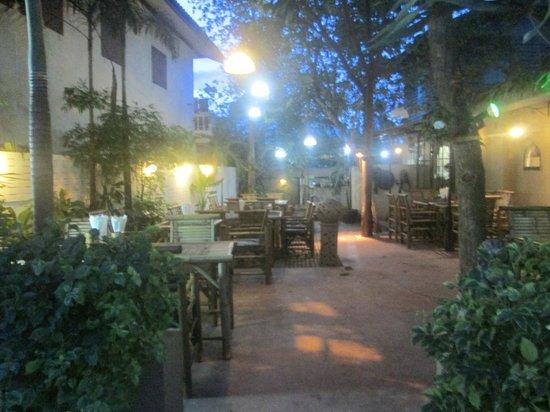 La Villa Corse : terrasse exterieur