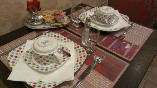 Hotel Churchill: Breakfast setting