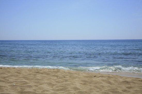 Ayala Beach: la spiaggia di d'ayala