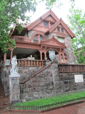 Molly Brown House Museum : Outside the Brown home