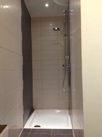 First Domizil : Shower
