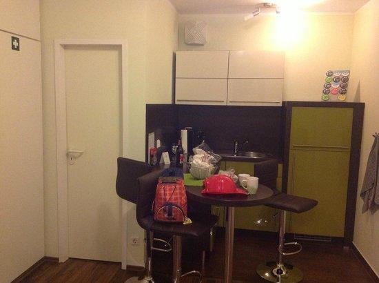 First Domizil : Kitchen
