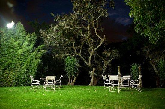 Hacienda Uzhupud: Jardin