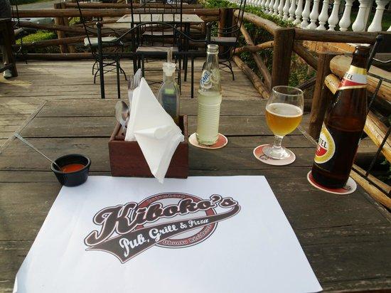 Kiboko Grill - Ubuntu Residence : The table set on the terrace facing the lake