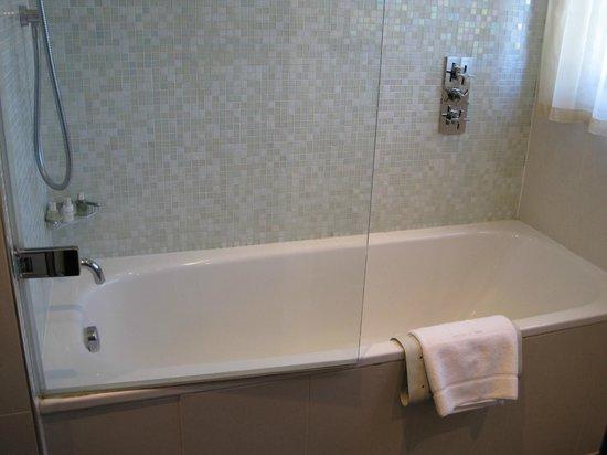 Great Fosters: Bath
