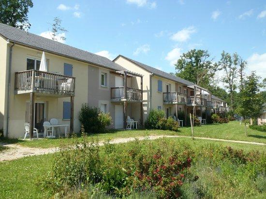 Résidence-Club Odalys Le Hameau du Lac : Le lotissement de vacances