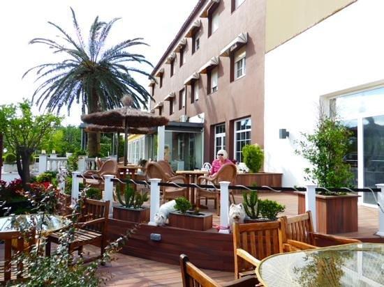 Hotel Figueres Parc : Add a caption