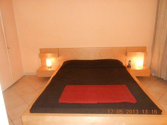 White Hotel: el dormitorio, muy amplio