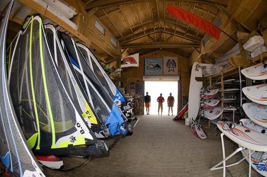 Worldwinds Windsurfing : Latest gear rigged and ready