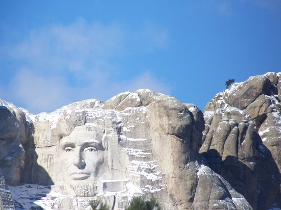 Elk Ridge Bed & Breakfast: Mt. Rushmore is open all year...