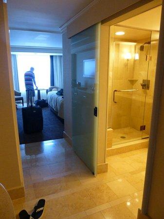 Caesars Atlantic City: premium king room