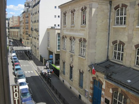 Aberotel Montparnasse : view from 2nd room