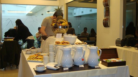 Howard Johnson Hotel Boutique Recoleta: Desayunador