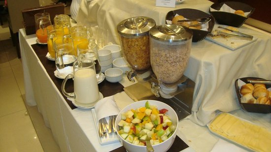 Howard Johnson Hotel Boutique Recoleta: Area del desayuno