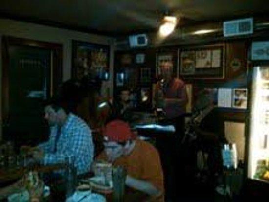 Papa's Soul Food Kitchen: Blues band at Papa's