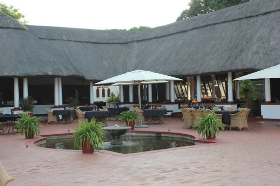 The Victoria Falls Hotel: Optional dining area