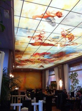 Пуатье, Франция: le plafond reprend les motifs de la peinture italienne