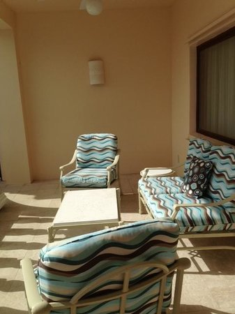 The Buccaneer St Croix: Great great balcony for the best sunsets on the island