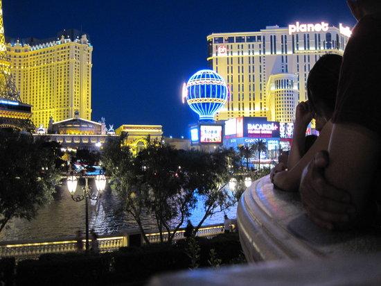 Casino at Aria Resort: Belagio fountain area