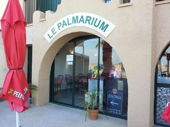 Saint-Pierre-la-Mer, France: le palmarium st pierre la mer