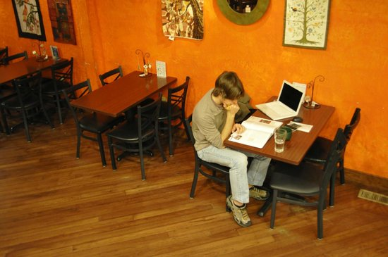 Standing Stone Coffee Company: Great study spot for college students