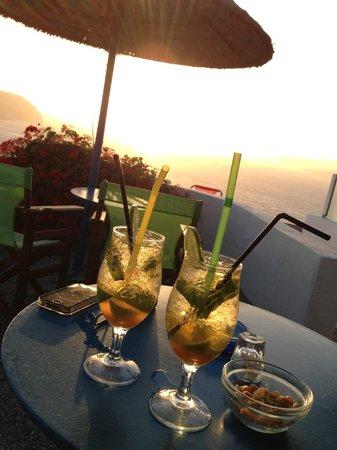 Caldera View Bungalow Resort: les cocktails d'apéro