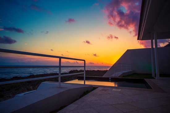 The Trident Hotel: Private Plunge Pool at Sunset