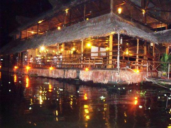 Al Frio y Al Fuego : Restaurante