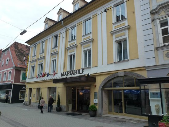 Hotel Mariahilf: Front of Hotel.