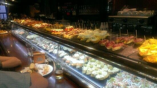 Eguzki: fantastic array of pinchos
