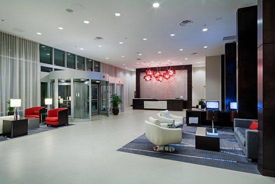 DoubleTree by Hilton Hotel Bristol, Connecticut : Hotel Lobby