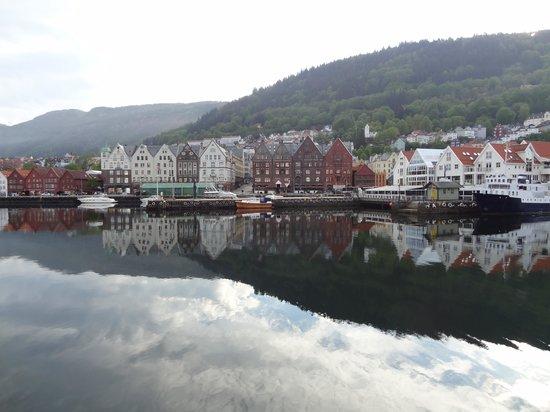 Marken Gjestehus: The harbour
