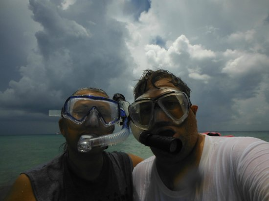 Playa Corona/Corona Beach Club: Mike & I enjoying ourselves
