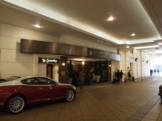 Millennium Gloucester Hotel London Kensington: Der Eingangsbereich