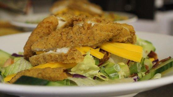 Rancher's Restaurant: Crispy chicken salad