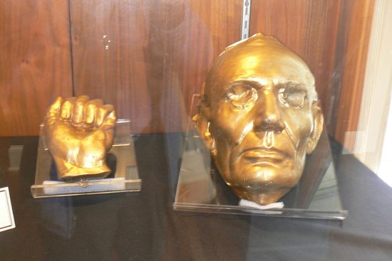 President Andrew Johnson Museum and Library: Lincoln Hand & Life Mask