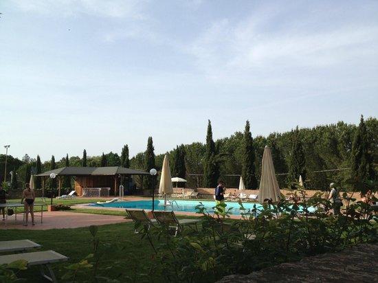 San Lorenzo a Linari : PISCINA
