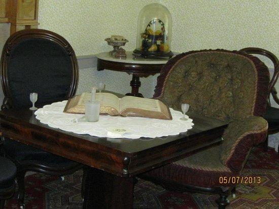 Andrew Johnson National Historic Site: Living Room