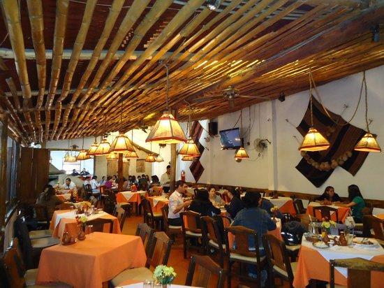 Foto de casa de campo cochabamba interior restaurante - Comer en la casa de campo ...