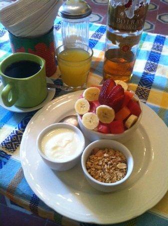 Y tu Pina Tambien: The big fruit plate