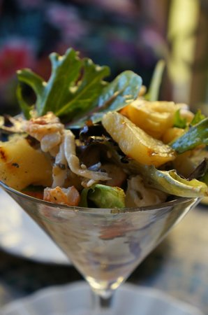 The Garrison House Inn: lobster and grilled pineapple Dean Martin salad