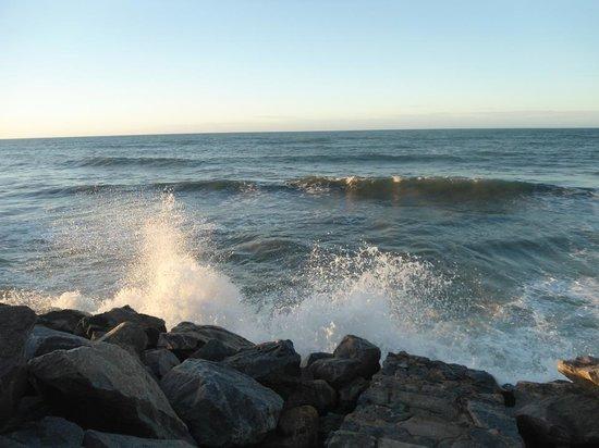 Sesc Iparana: Praia de Iparana que fica em frente ao SESC. Não é apropriada para banho, mas a vista é linda!