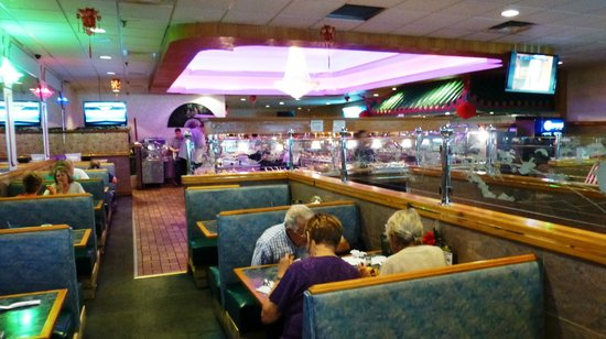 Century Buffet: the place is very spacious