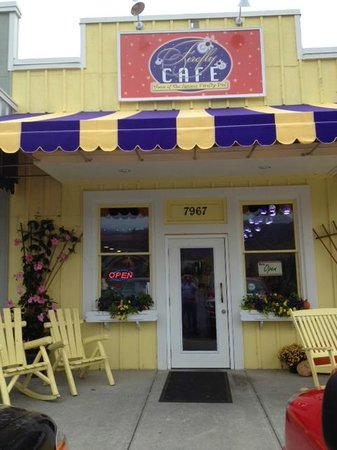 Firefly Cafe: Bright, Cheery and Good Eats!
