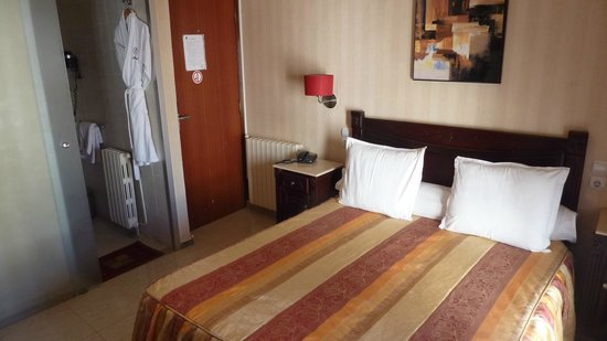 ST Hotel: View of bedroom.