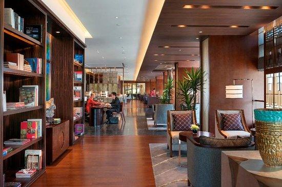 Mandarin Oriental Pudong, Shanghai: Club Lounge