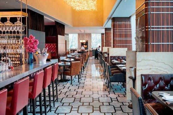 articles hotel review mandarin oriental pudong
