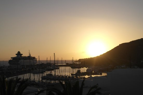 Olia Hotel: Port Sunset