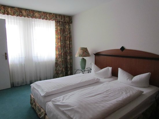 Artis Suite Hotel: спальня